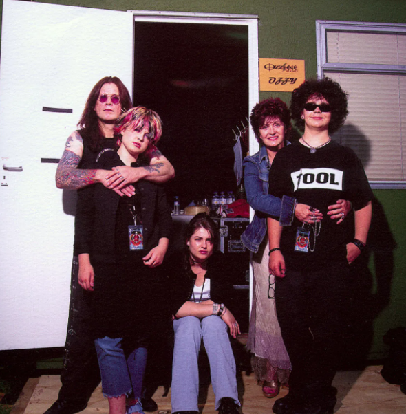 Sharon Osbourne with her husband, Ozzy and their kids