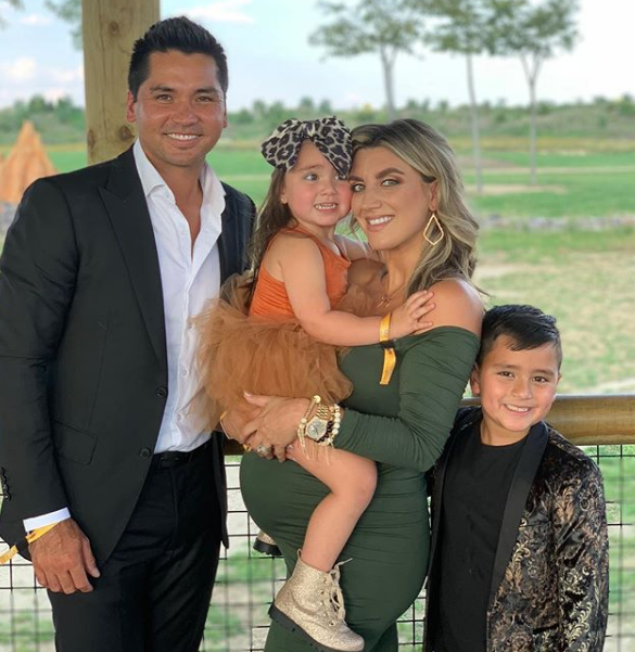 Jason Day with his wife and their childrens