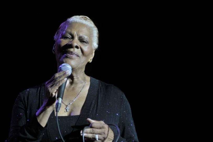 Dionne Warwick Singing