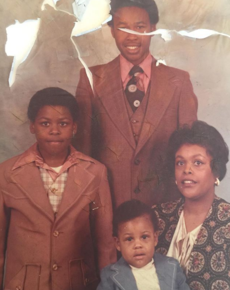 Paul Pierce with his mother and his two siblings
