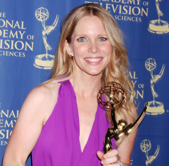 Lauralee Bell with award