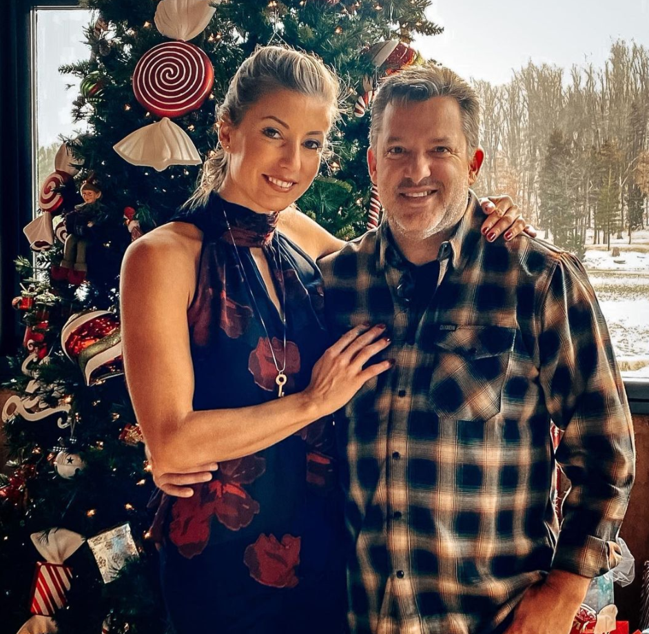 Tony Stewart is Engaged to his long-time girlfriend Leah Pruett