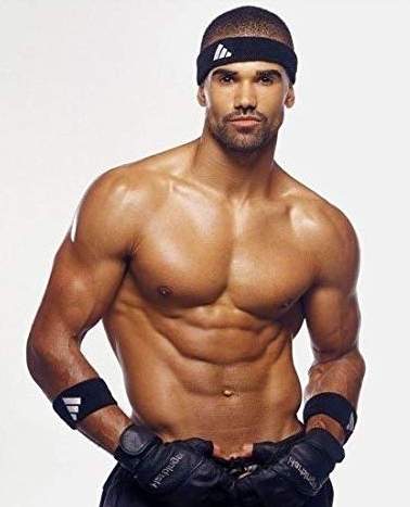 Shemar Moore in Boxing Dress