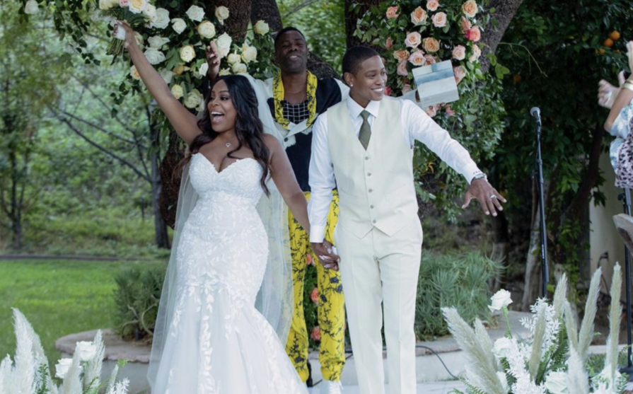 Niecy Nash and her husband, Jessica Betts During Their Wedding