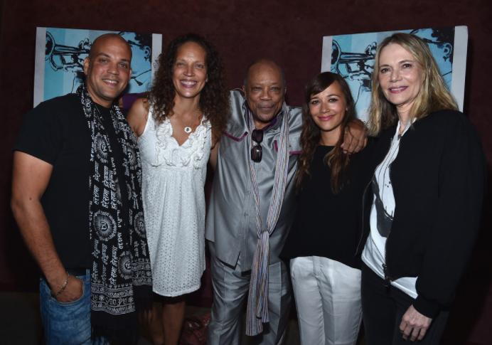 Quincy Jones with her ex-wife, Peggy Lipton and their kids, Quincy Jones III, Martina Jones, Quincy Jones, Rashida Jones