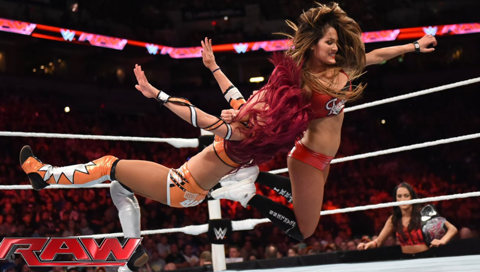 Nikki Bella Vs Sasha Banks