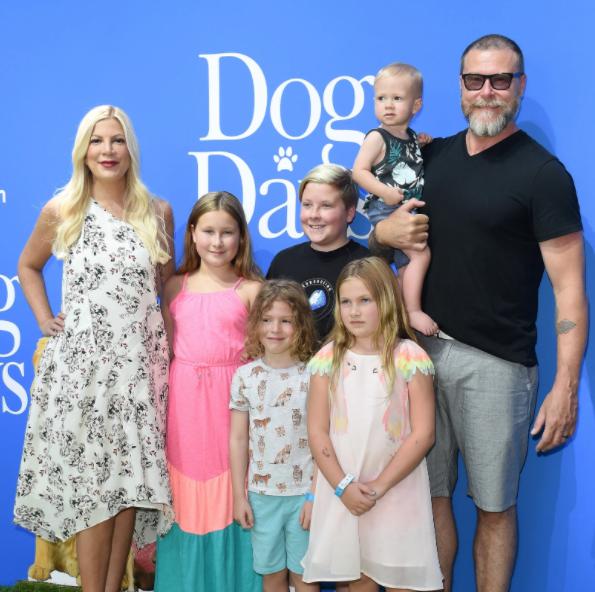 Tori Spelling, Dean McDermott and their five children