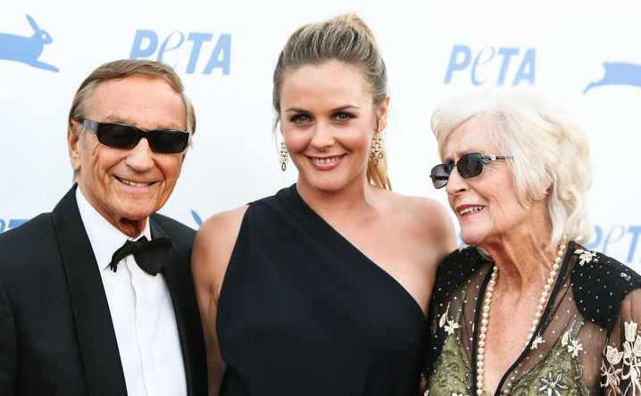 Alicia Silverstone Parents; Monty (father in left) and Deirdre (mother in right)