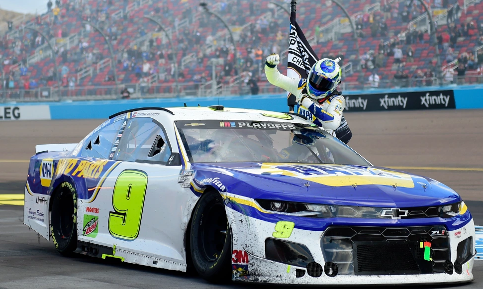 Chase Elliott Wins 2020 NASCAR Cup Series Championship