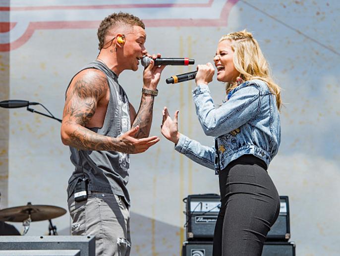 Kane Brown and Lauren Alaina Singing