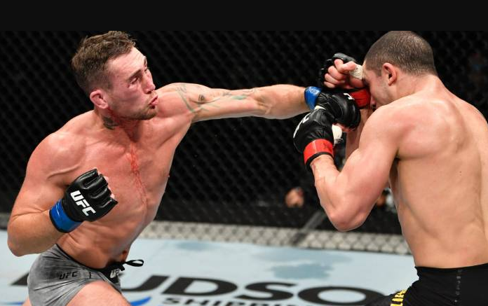 Darren Till Punching Robert Whittaker