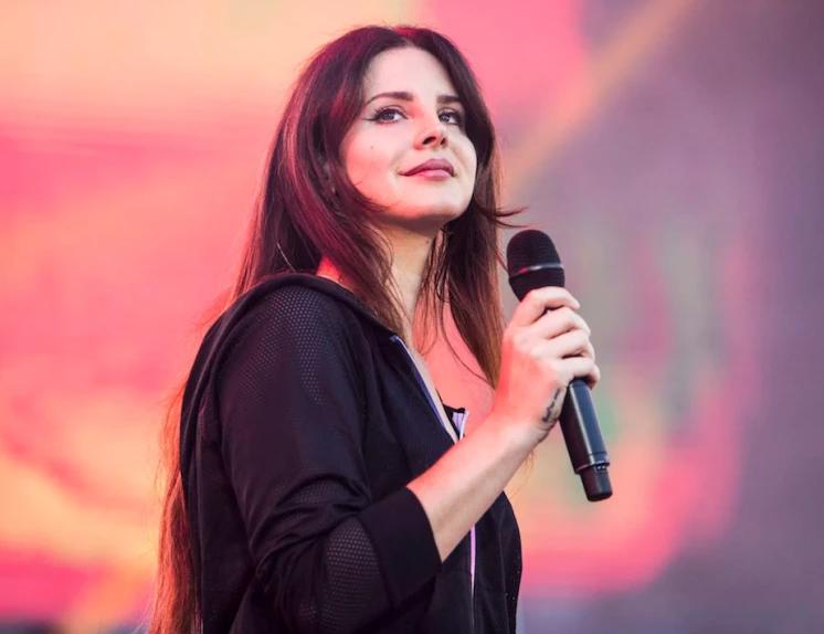 Lana Del Rey, a famous singer