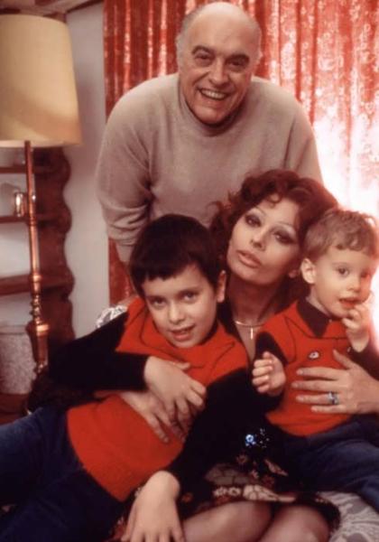 Sophia Loren with husband Carlo Ponti and their kids