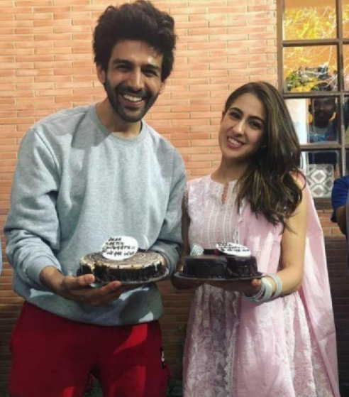 Sara Ali Khan With Her Boyfriend, Kartik Celebrating Birthday