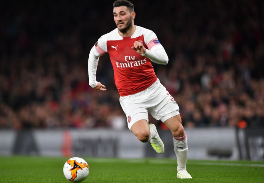 Sead Kolasinac Eyeing on the ball