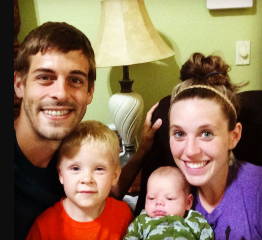 Jill Duggar Dillard and her husband, Derick Dillard with their kids