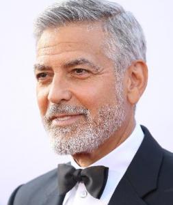 George Clooney Biograp...