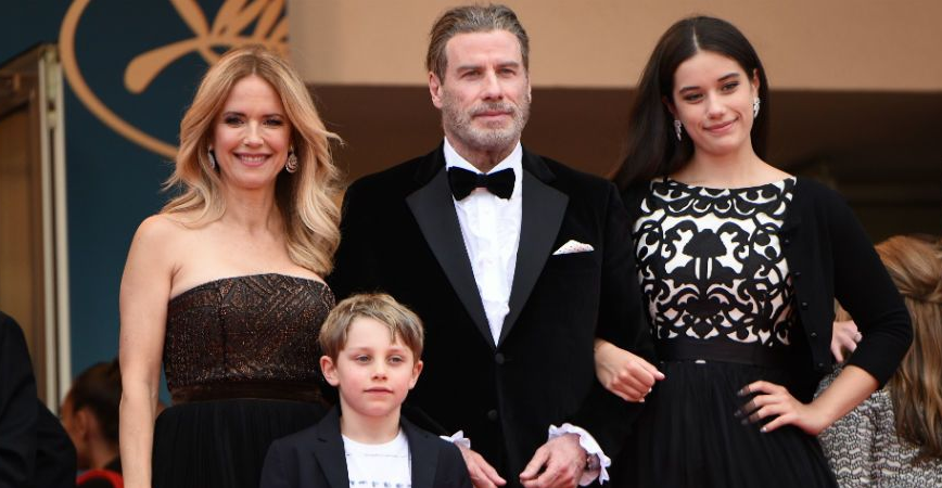 Kelly Preston with her husband and childrens