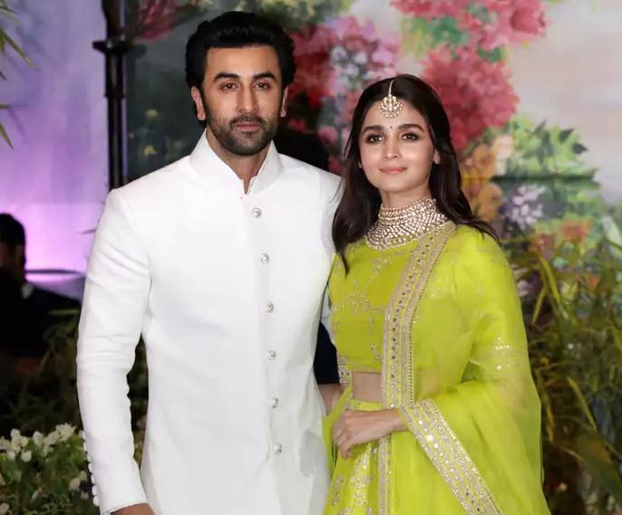 Alia Bhatt is in a relationship with, Ranbir Kapoor