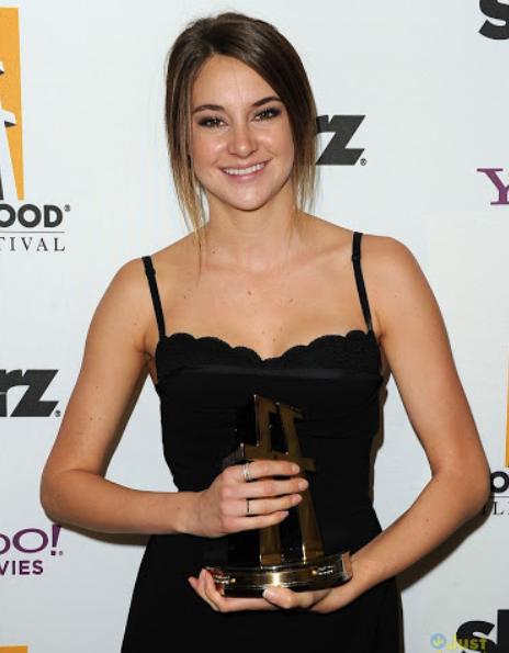 Shailene Woodley With Hollywood Spotlight Award