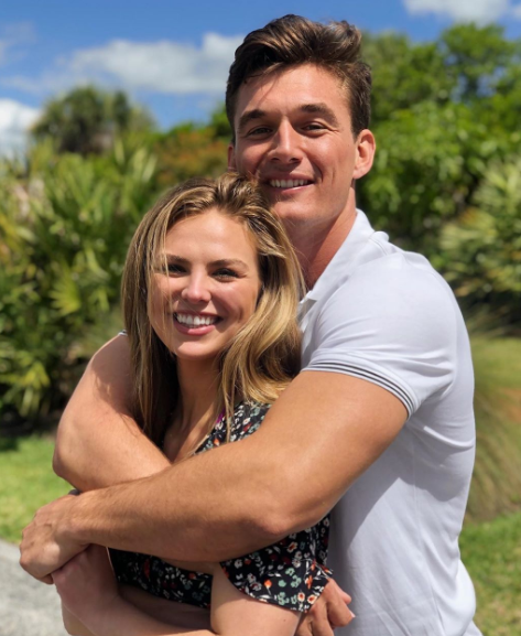 Tyler Cameron Hugging Hannah Brown