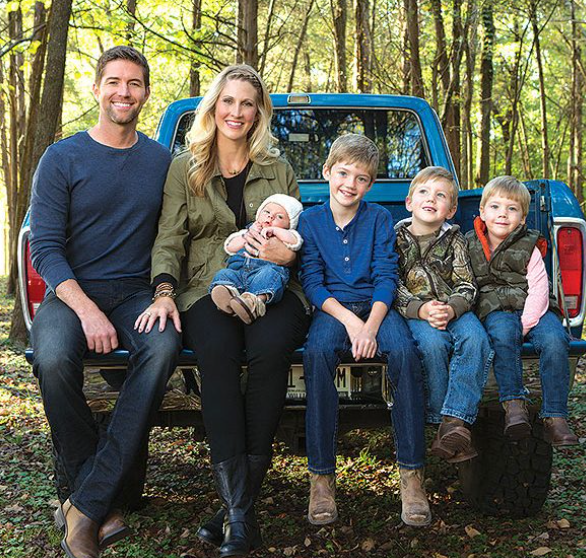 Josh Turner with his wife, Jennifer and their kids