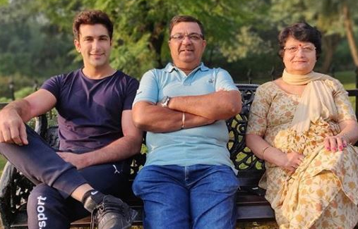 Nandish Sandhu With His Parents