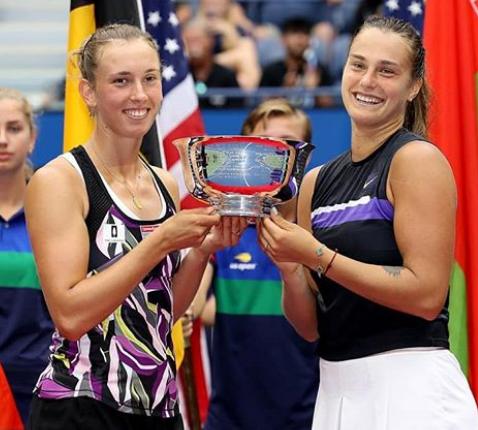 Elise Mertens With Trophy