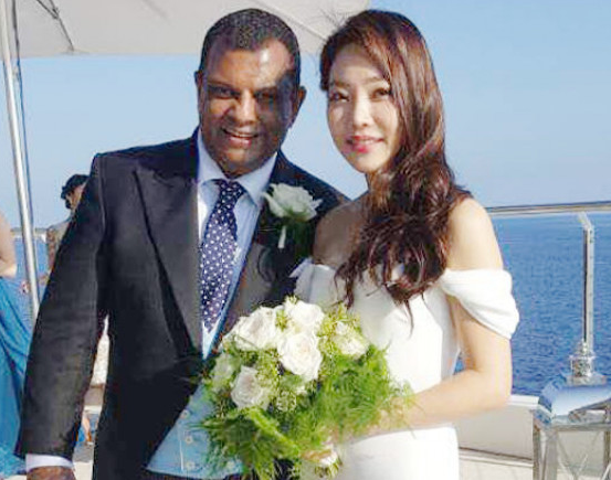 Tony Fernandes With His Wife, Chloe
