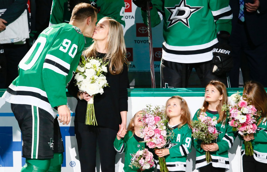 Jason Spezza With His Wife And Childrens