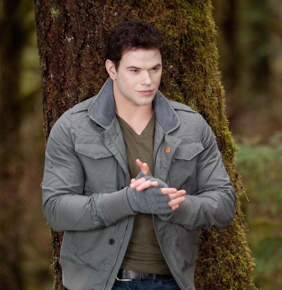 Kellan Lutz as Emmett Cullen in The Twilight Saga