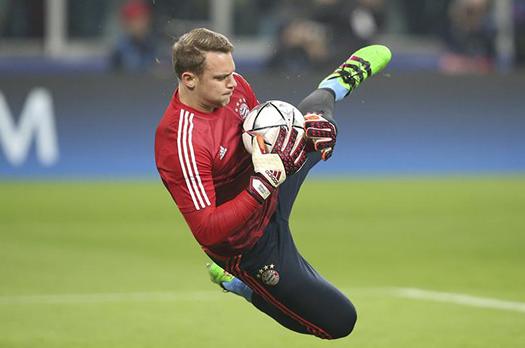 Manuel Neuer Saving The Ball