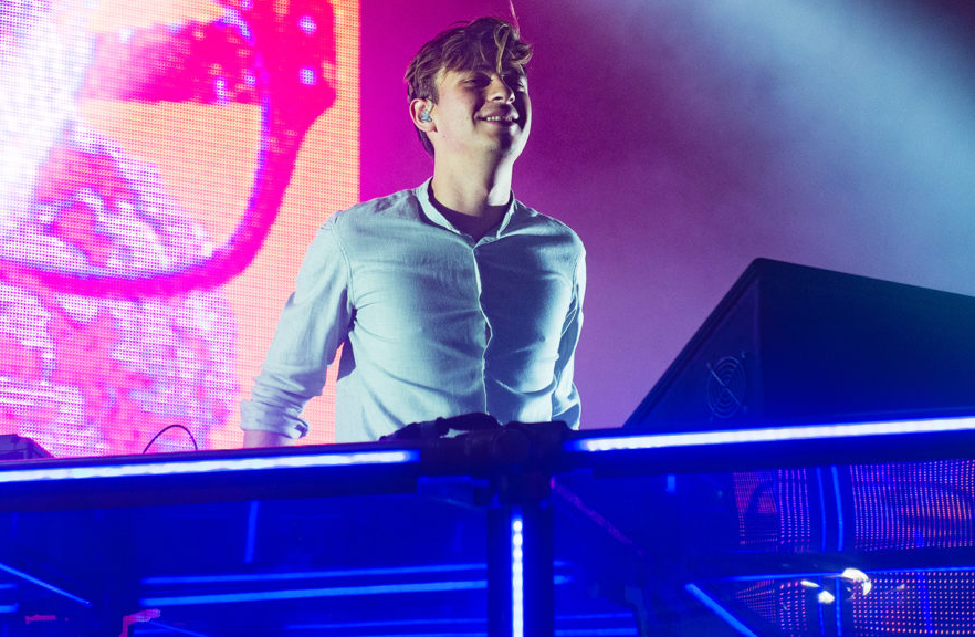 Flume Performing The Song