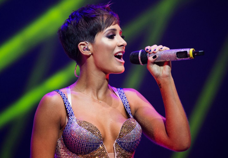 Frankie Bridge Singing