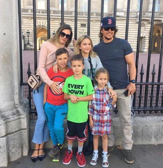Mark Wahlberg with his wife, Rhea Durham and their kids; Ella Rae, Grace Margaret, Michael, and Brendan Joseph