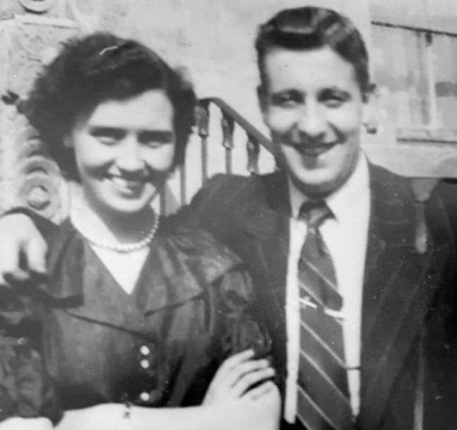 Eamonn Holmes Parents