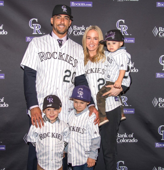 Ian Desmond with his wife, Chelsey Desmond and kids