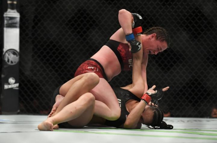 Molly McCAnn vs Talia Santos