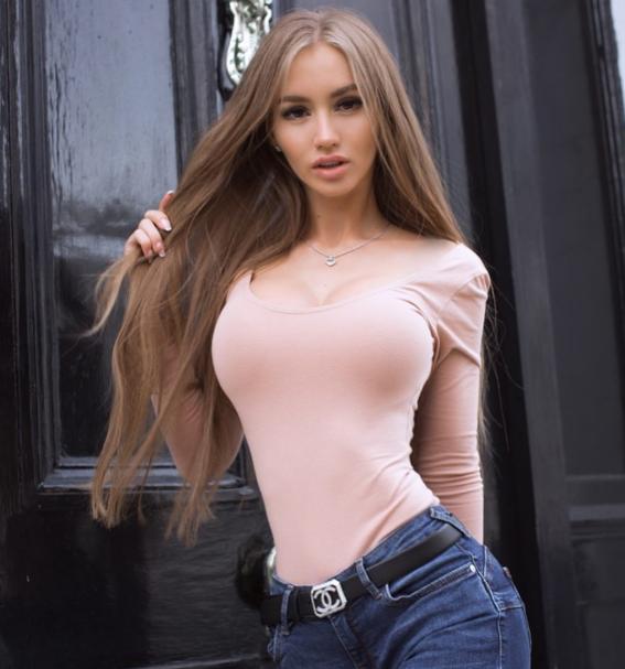 Valenti Vitel, a famous model