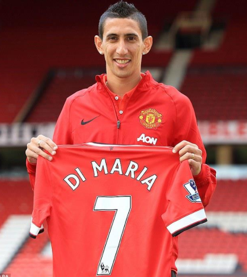 Angel Di Maria signing with Manchester United in 2014