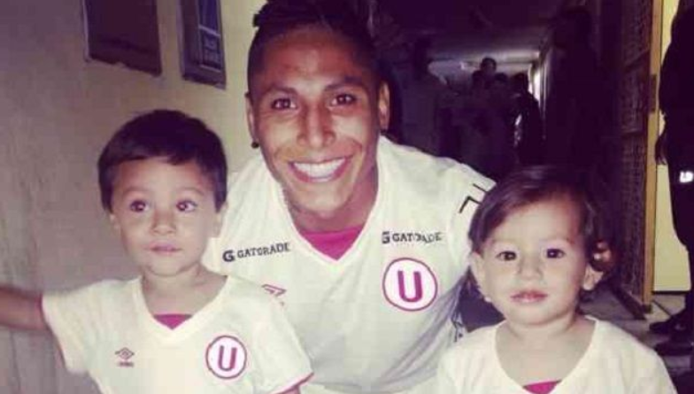 Raul Ruidiaz with his son and daughter