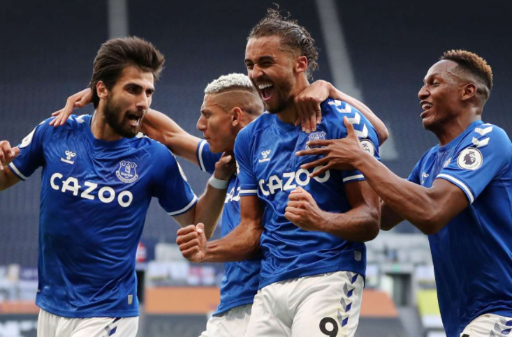 Dominic Calvert-Lewin celebrating with his teammates after his goal against Tottenham
