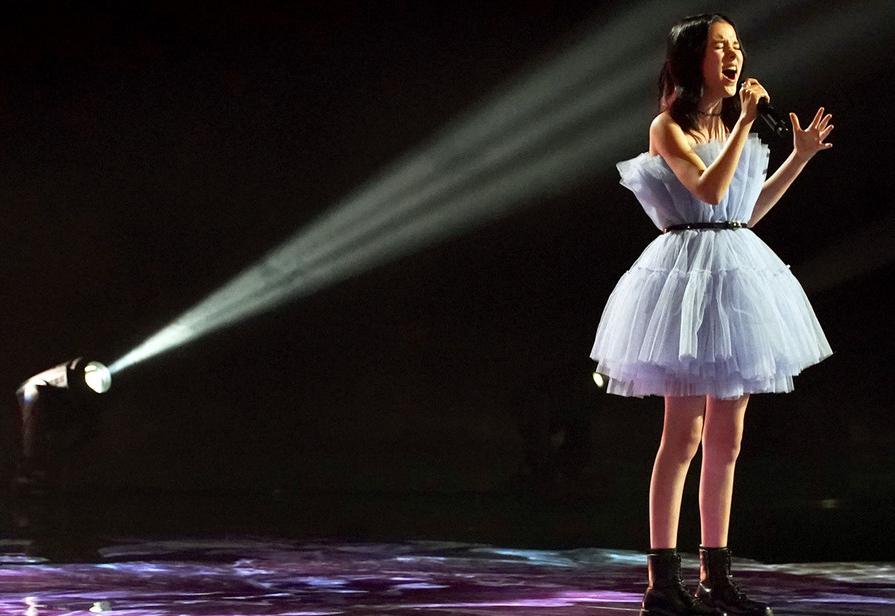 Daneliya Tuleshova, a child singer from Kazakhstan
