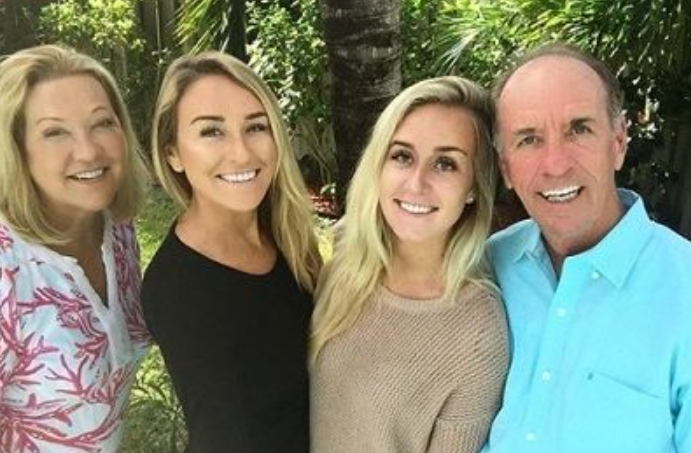 Nicole Hocking with her family; father, mother and sister
