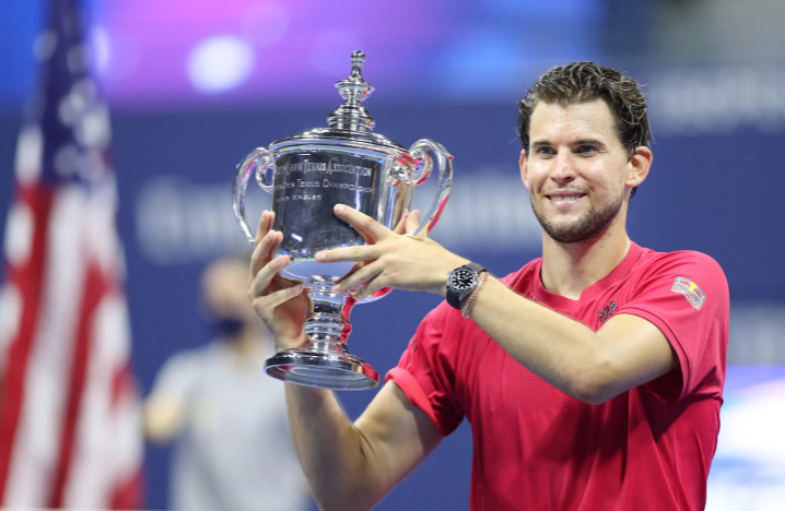 Dominic Thiem lifting the US Open trophy