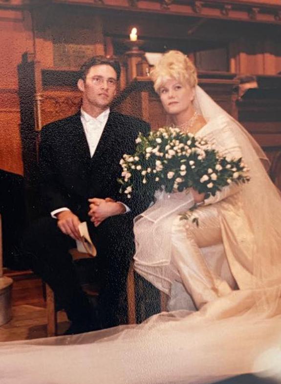 Deborra-Lee Furness and Hugh Jackman wedding pics