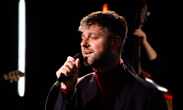 Pierre Lapointe Singing