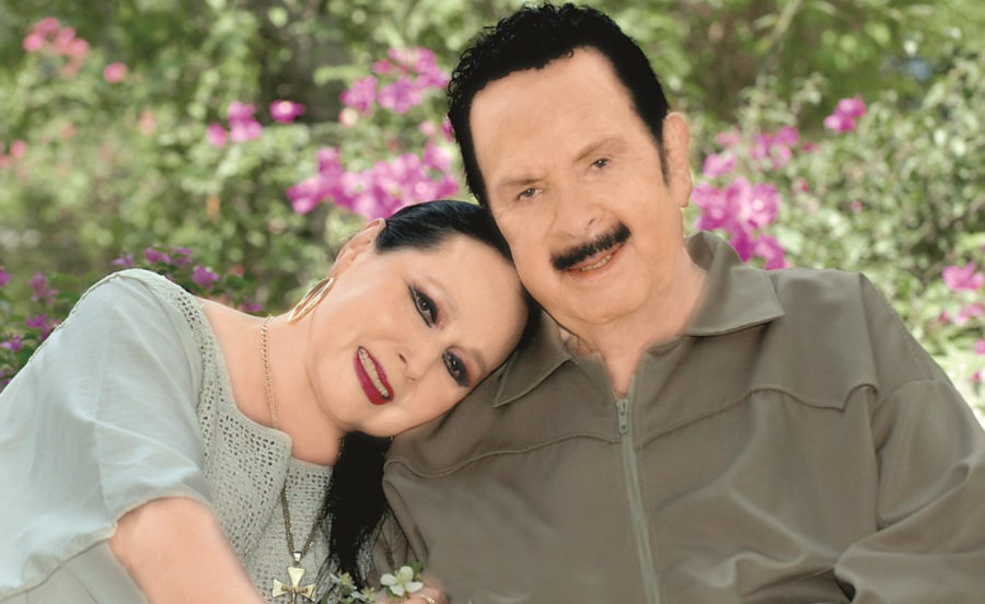 Flor Silverstre with her third husband, Antonio Aguilar