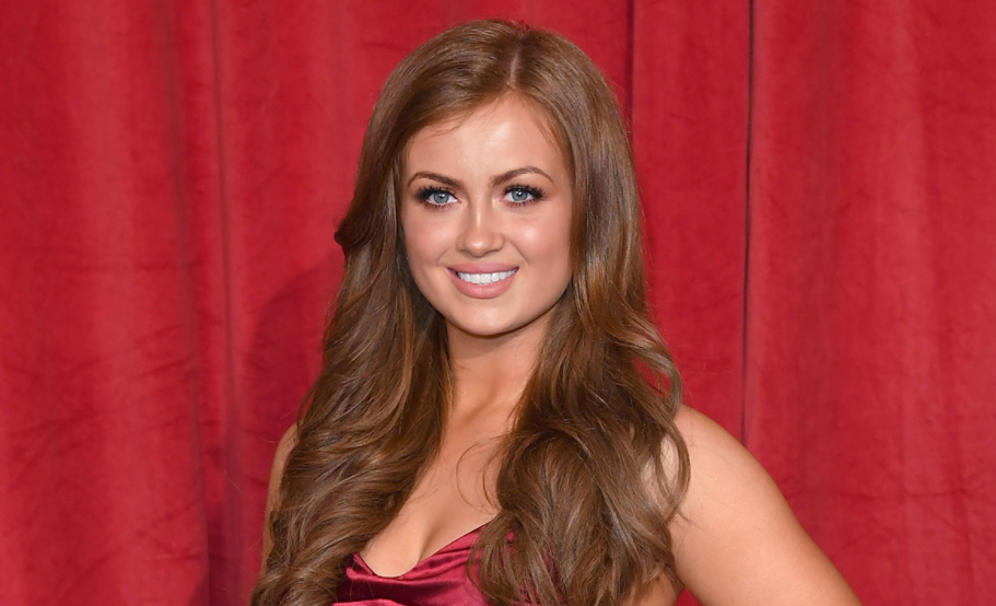 Maisie Smith, a famous actress and singer