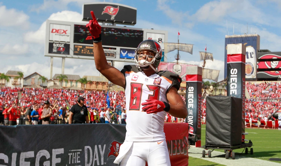 Former Chargers and Buccaneers wide receiver, Vincent Jackson found dead at 38